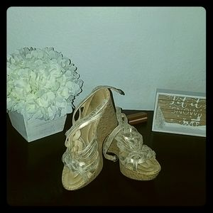 Born crown wedges size 8